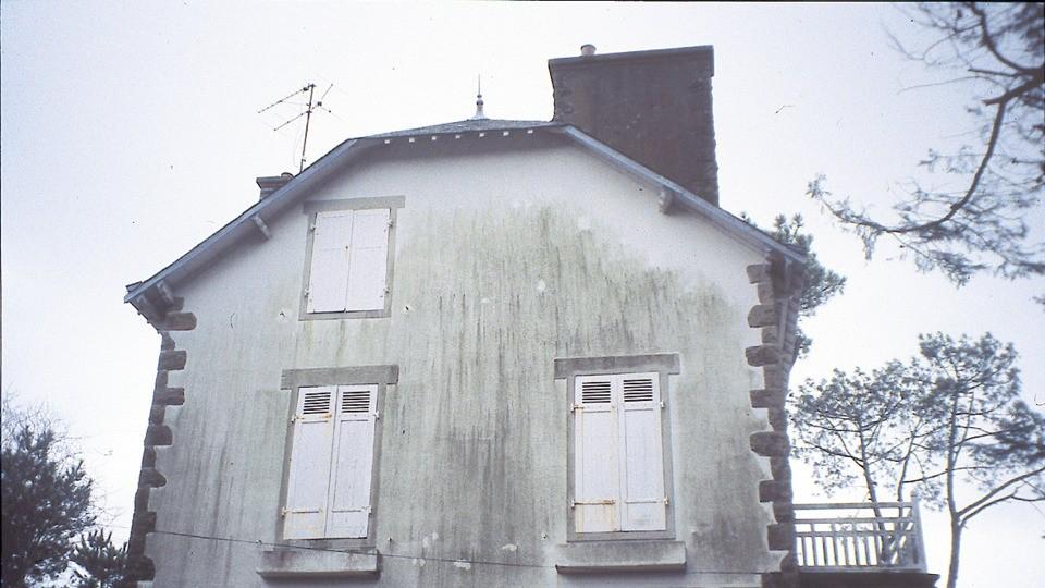 Protection facade conseils pour traitement anti mousse algue - Produit pour nettoyer les facades de maison ...
