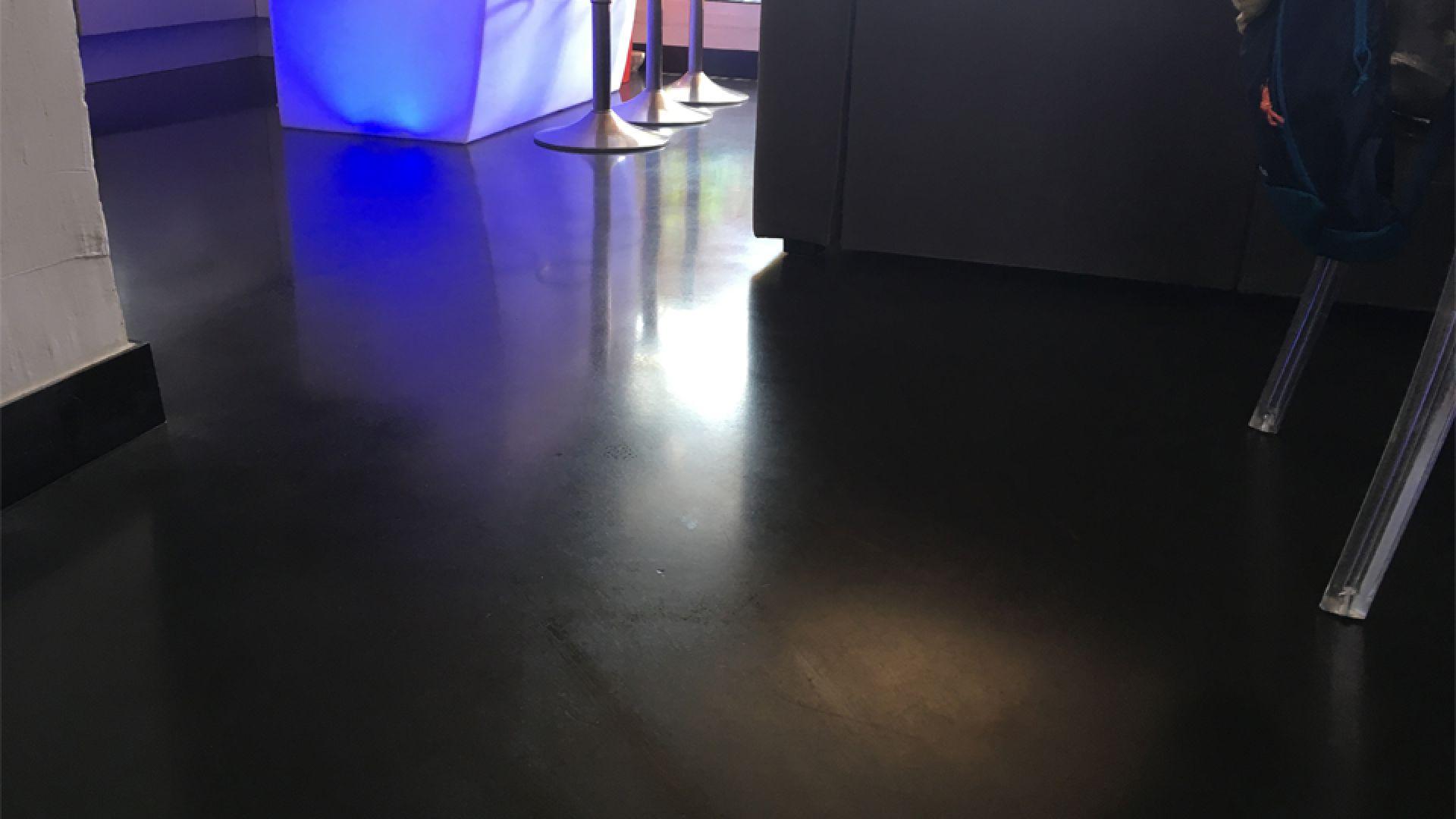 Showroom Beton Cire Paris rénovation d'une salle à manger à arcs-sur-argens (83)   weber