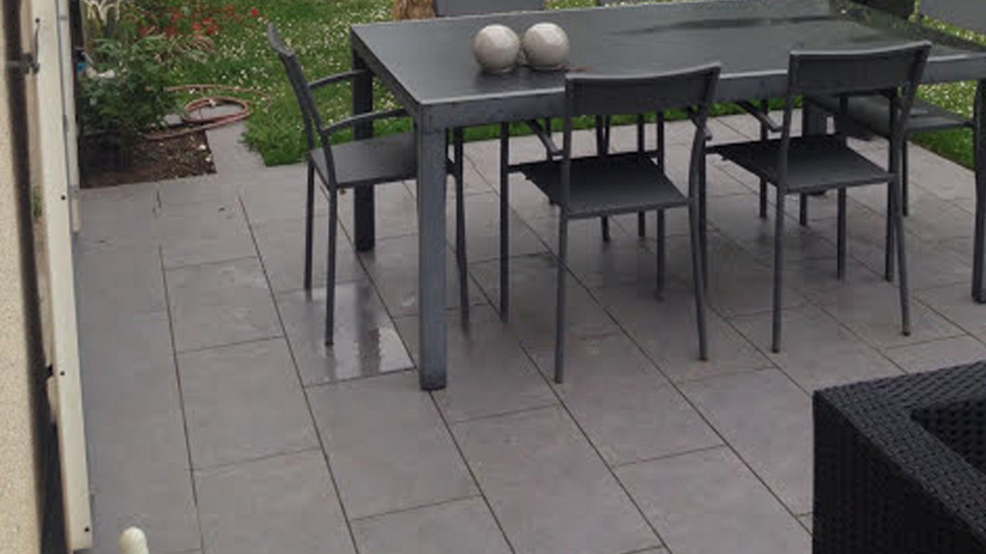 Réalisation d'une terrasse extérieure de 25 mètres carrés (77)