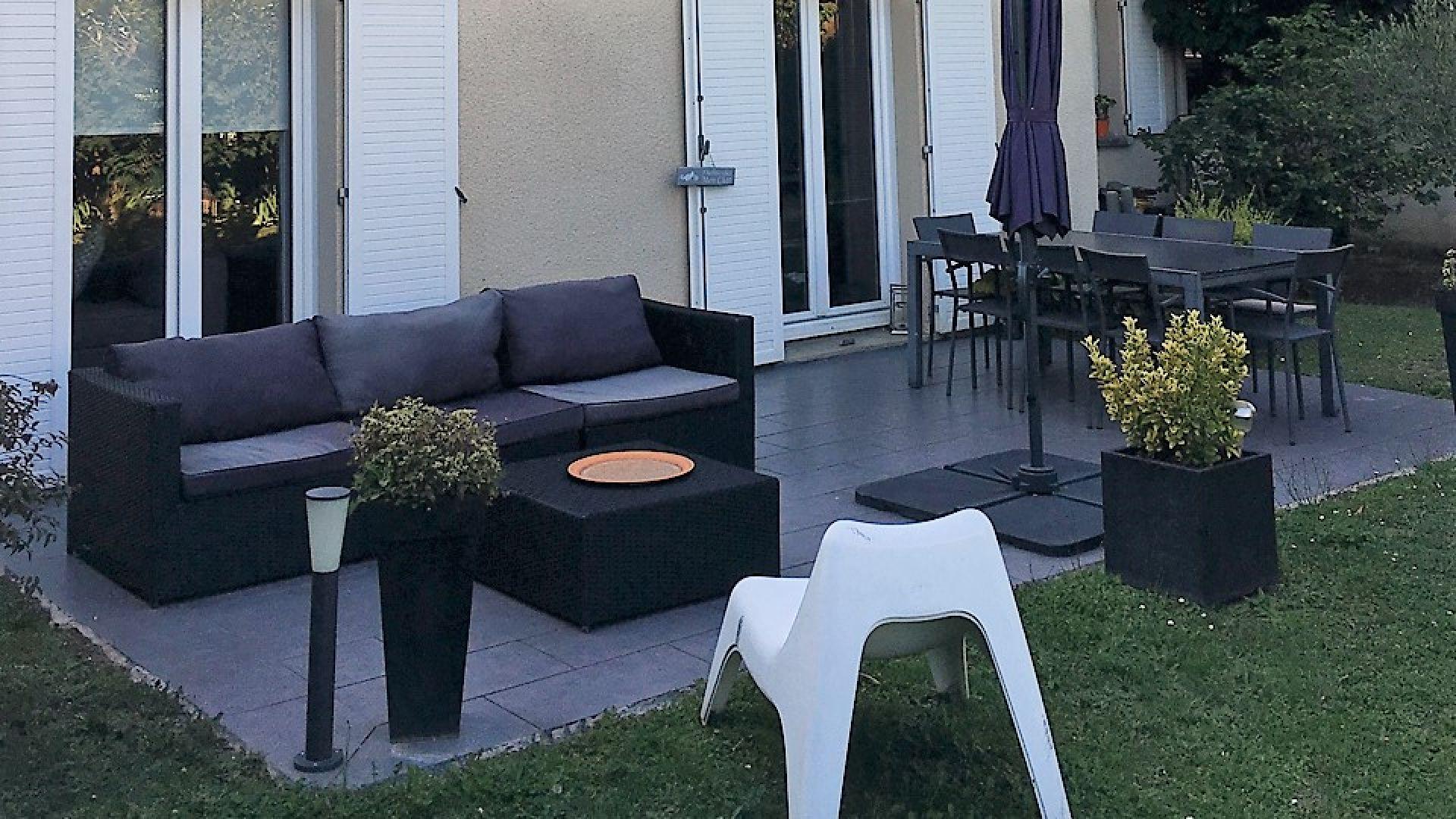 Réalisation d'une terrasse extérieure de 25 mètres carrés