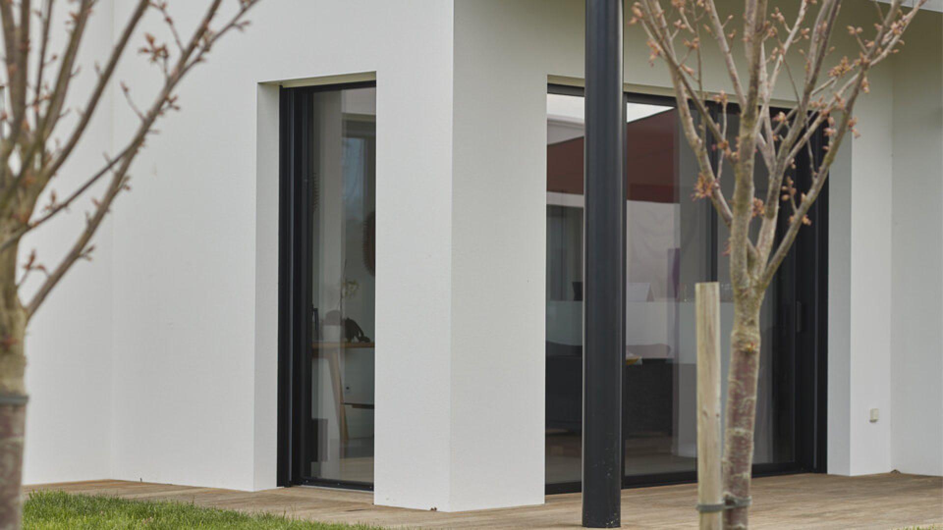 Enduit Blanc Mur Exterieur revêtement de façades : clarté et luminosité des murs à la
