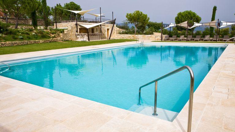 articles piscine articles piscine with articles piscine cool siege gonflable piscine articles. Black Bedroom Furniture Sets. Home Design Ideas